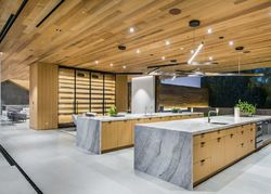 Foreclosure - Carla Rdg - Beverly Hills, CA