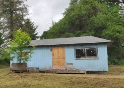 Foreclosure - Fisher Ln - Saint Helens, OR