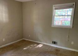 Foreclosure - Horton Pl - Douglasville, GA