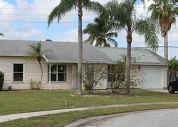 Barnstead Cir N, Lake Worth FL