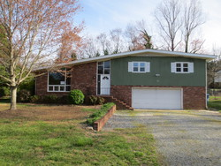 28th Avenue Dr Nw, Hickory NC