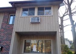 Oakville Ave Apt H, Waterbury CT