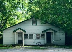 Foreclosure - 8th Ave N - Columbus, MS