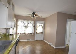 Foreclosure - Drake Ave - Centerville, IA