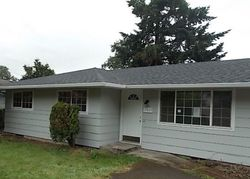 Foreclosure - Oatfield Rd - Gladstone, OR