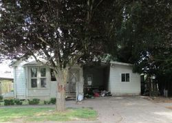 Foreclosure - N 2nd St - Woodburn, OR