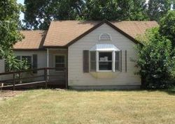 Foreclosure - S Cleveland Ave - Saint Joseph, MI