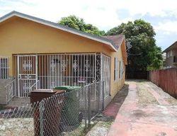 E 4th St, Hialeah FL