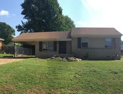 Foreclosure - Moss Point Dr - Southaven, MS