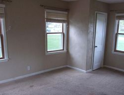 Foreclosure - E 20th St S - Newton, IA