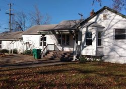 Foreclosure - Windsor St - Garden City, MI