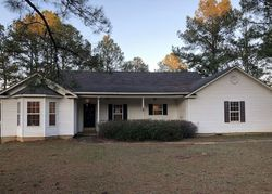 Foreclosure - W Jones Dr - Hawkinsville, GA