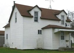 Foreclosure - E 8th St N - Newton, IA