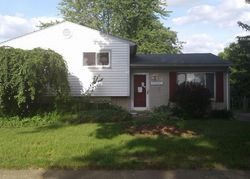 Foreclosure - Woodlawn St - Taylor, MI