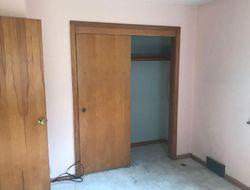 Foreclosure - 62nd St - Urbandale, IA
