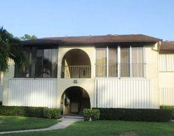 Pine Hov Cir Apt B-, Lake Worth FL