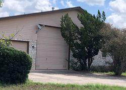 Tierra Cir, Floresville TX