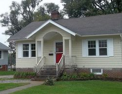 Foreclosure - W 7th St S - Newton, IA