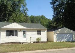 Foreclosure - Elm St - Mount Morris, MI