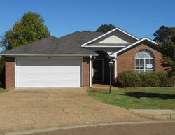 Foreclosure - Carlyle Cv - Ridgeland, MS