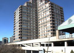 E River Dr , East Hartford CT