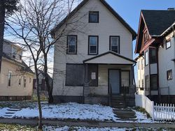 Foreclosure - N Vel R Phillips Ave - Milwaukee, WI