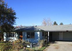 Foreclosure - Cherry St - Central Point, OR