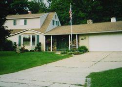 Foreclosure - Charluene Dr - Fenton, MI