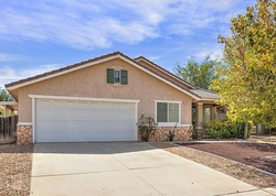 Foreclosure - Dartmouth St - Hesperia, CA