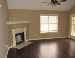 Foreclosure - Travis Dr - Olive Branch, MS
