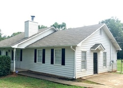 Foreclosure - Planters Walk - Locust Grove, GA