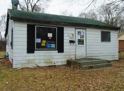 Foreclosure - 35th St Sw - Wyoming, MI