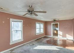 Foreclosure - 61st St - Urbandale, IA