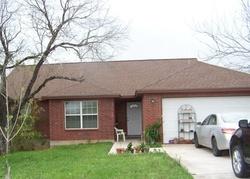 4th St, Floresville TX