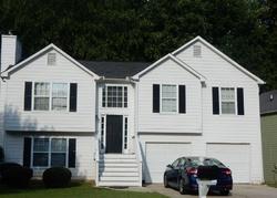 Foreclosure - Lake Park Ter - Acworth, GA