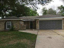Willow Dr, Stafford TX