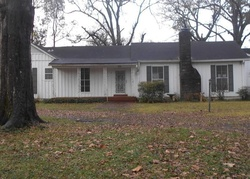 Foreclosure - Poplar St - Greenwood, MS