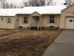 Foreclosure - W Chestnut St - Junction City, KS