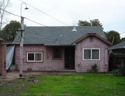 Hiawatha Ave, Stockton CA