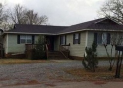 Foreclosure - W Adams St - Kosciusko, MS