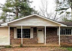 Foreclosure - Chestnut Log Dr - Lithia Springs, GA