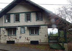 Foreclosure - N 2nd St - Coos Bay, OR
