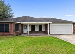 Falcon Cir, Ocean Springs MS