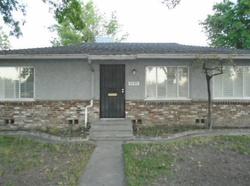 E Clinton Ave, Fresno CA