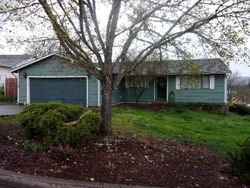 Foreclosure - Aloha Ct - Roseburg, OR