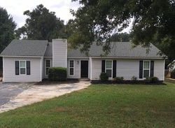 Foreclosure - Deerfield Dr - Jonesboro, GA