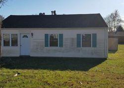 Foreclosure - Circle Dr - Wallingford, CT