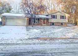 Foreclosure - Zak Ln - Green Bay, WI