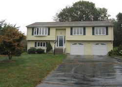 Foreclosure - Fawn Dr - Wallingford, CT
