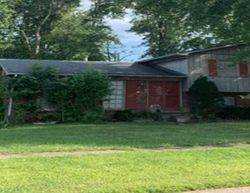 Foreclosure - Mary Dell Ln - Louisville, KY